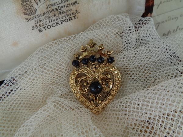 画像1: 王冠ブローチ