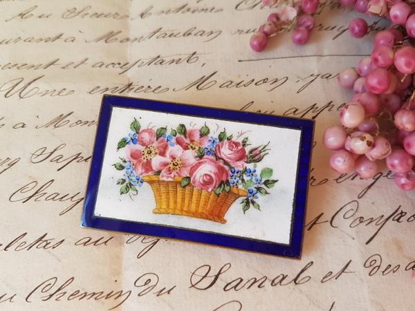 画像1: エナメル花かご柄ブローチ