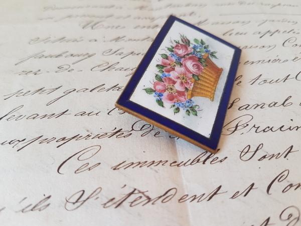 画像3: エナメル花かご柄ブローチ
