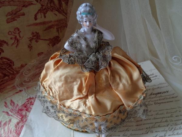 画像1: ドレス付ハーフドール