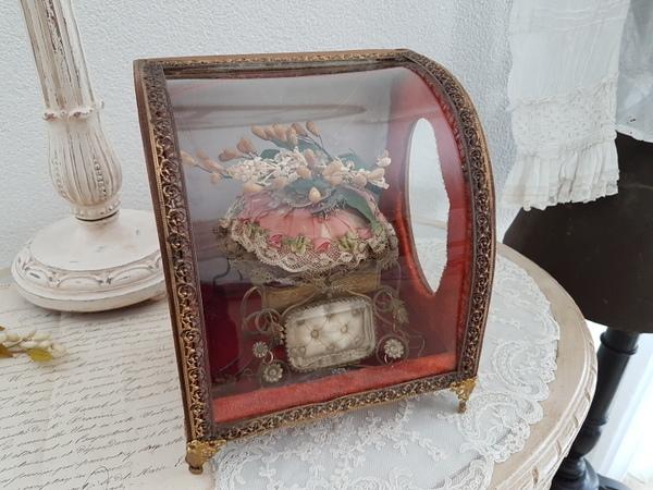 画像1: ワックスフラワー付マリエガラスケース