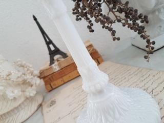 画像3: 白いオパリンガラスキャンドルスタンド
