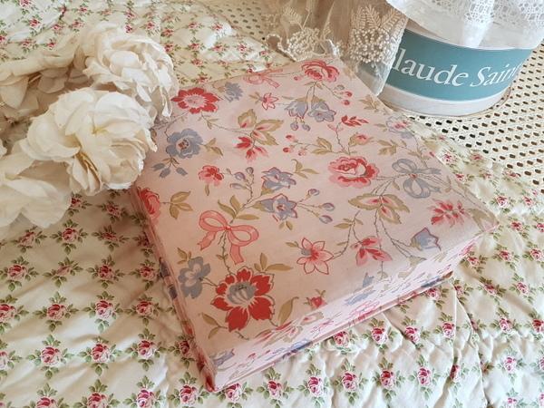 画像1: リボンと花柄カルトナージュボックス
