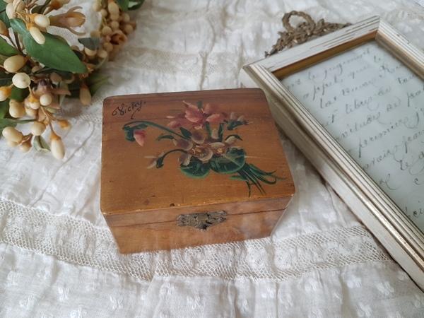 画像1: モシュリンヌすみれ柄ボックス