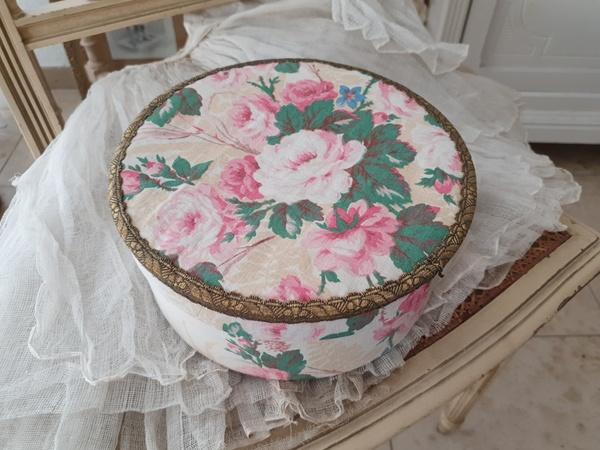 画像1: 花柄カルトナージュボックス