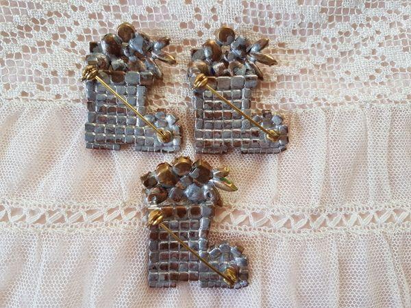 画像4: チェコガラスクリスマスソックス型ブローチ